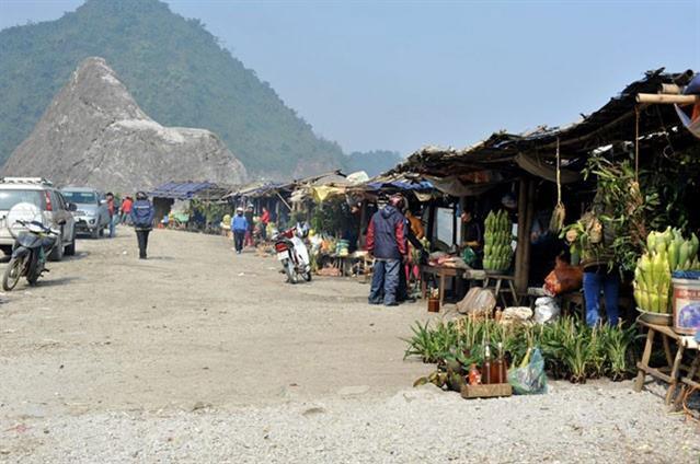 Chợ cua đá